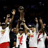 Los Torontonto Raptors ganan la final de la NBA 2019 Red Leaf